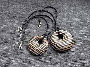 Утилизируем остатки полимерной глины: создаем полый полосатый кулон. Ярмарка Мастеров - ручная работа, handmade.