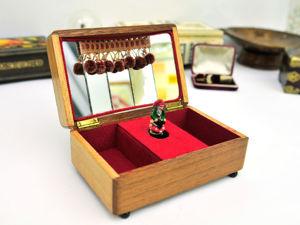 Гном, охраняющий сокровища. Музыкальная Шкатулка из Ирландии. Винтаж 1966г. Ярмарка Мастеров - ручная работа, handmade.