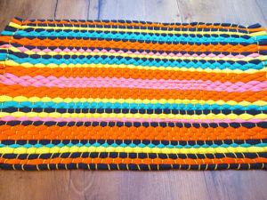 Плетем коврик из старых футболок: видео мастер-класс. Ярмарка Мастеров - ручная работа, handmade.