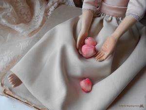 Девочка с яблоками, кукла из дерева, больше фото. Ярмарка Мастеров - ручная работа, handmade.