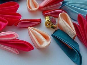 Как сделать лепесток для цветка из атласной ленты. Ярмарка Мастеров - ручная работа, handmade.