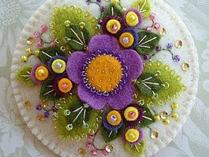 Wonderful Miracles out of Felt by Paulette Racanelli. Livemaster - hecho a mano - handmade.