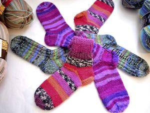 Вязаные теплые и красивые носочки. Ярмарка Мастеров - ручная работа, handmade.