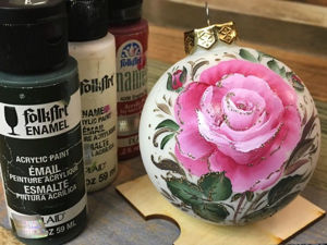 "Double Stroke or One Stroke Painting on a ""Rose"" Christmas Ball. Livemaster - handmade"