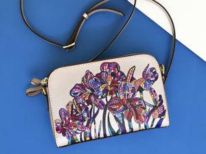 Видео сумочки с ручной росписью Ирисы. Ярмарка Мастеров - ручная работа, handmade.
