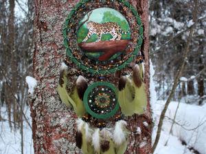 Тотемный ловец снов  «Ягуар»  с натуральными камнями. Ярмарка Мастеров - ручная работа, handmade.