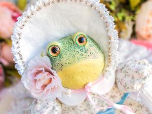 Орабэль лягушка жаба авторская интерьерная кукла, символ богатства. Ярмарка Мастеров - ручная работа, handmade.