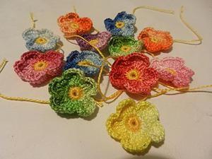 Маленький цветочек. Незабудка крючком. Ярмарка Мастеров - ручная работа, handmade.