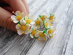 Видео мастер-класс: делаем цветы земляники из запекаемой полимерной глины. Ярмарка Мастеров - ручная работа, handmade.
