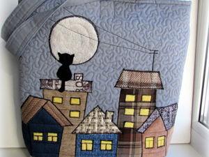 Стеганые сумки с аппликацией домиков и котов на крыше. Ярмарка Мастеров - ручная работа, handmade.
