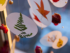 Мобиль из прошлогодних листьев и цветов.. Ярмарка Мастеров - ручная работа, handmade.