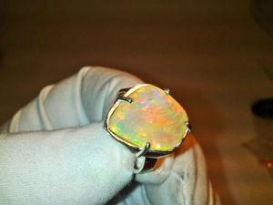 Видео: Кольцо  «пОдиум-с» .Серебро. Опал. Ярмарка Мастеров - ручная работа, handmade.