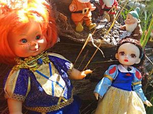 Осеннею порой под старою сосной... Принц, Белоснежка и гномы... встречаются. Ярмарка Мастеров - ручная работа, handmade.