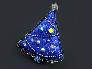 Мастер-класс: вышитая брошь-елочка с бусинами и кристаллами Swarovski «Северная красавица». Ярмарка Мастеров - ручная работа, handmade.