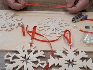 Делаем деревянные снежинки своими руками. Ярмарка Мастеров - ручная работа, handmade.