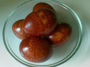 """""""Кружевные"""" пасхальные яйца, крашеные в луковой шелухе. Ярмарка Мастеров - ручная работа, handmade."""