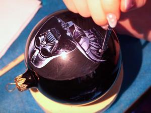 Портрет Дарт Вейдера на елочном шаре масло, живопись. Ярмарка Мастеров - ручная работа, handmade.