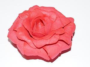 Создание розы из фоамирана без специальных приспособлений. Ярмарка Мастеров - ручная работа, handmade.