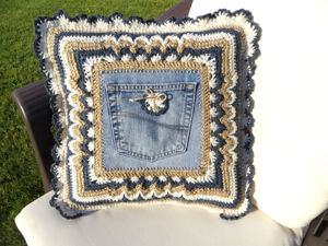 Вяжем чехол на подушку с джинсовым карманом: видеоурок. Ярмарка Мастеров - ручная работа, handmade.