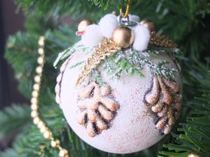 Let's Decorate Christmas Balls with Hot Glue. Livemaster - handmade