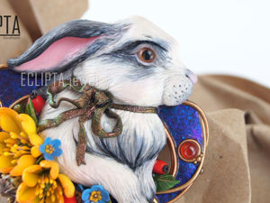 ВИДЕО. Брошь-кулон Spring из полимерной глины, кролик, заяц. Ярмарка Мастеров - ручная работа, handmade.