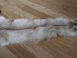 Жилет вязаный с нашивкой меха лисы (полос) .Часть 1.. Ярмарка Мастеров - ручная работа, handmade.