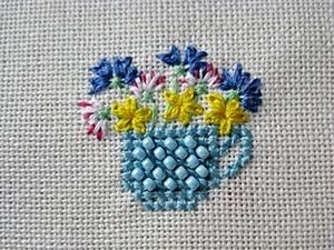 Чашка с цветами. Свободная вышивка.. Ярмарка Мастеров - ручная работа, handmade.