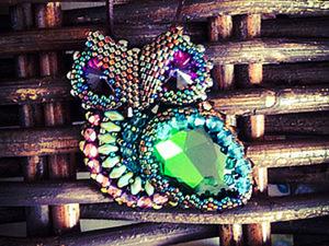 """Мастер-класс """"Совушка-сова"""": вышитая бисером и кристаллами брошь. Ярмарка Мастеров - ручная работа, handmade."""