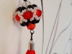 Изготавливаем брелок-шарик из бисера и бусин. Ярмарка Мастеров - ручная работа, handmade.