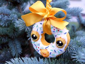Лепим с детьми пончик на ёлку. Ярмарка Мастеров - ручная работа, handmade.