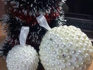 Делаем новогоднее украшение: шарик из пенопласта и страз. Ярмарка Мастеров - ручная работа, handmade.