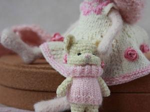 Вяжем крючком мини-игрушку кошку. Ярмарка Мастеров - ручная работа, handmade.