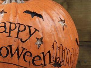 Тыква, паутина и опавшие листья. Украшаем квартиру для Хэллоуина. Ярмарка Мастеров - ручная работа, handmade.