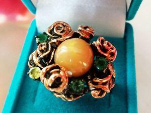 Видео! Кольцо  «Огненный цветок»  с эфиопским опалом и изумрудами. Ярмарка Мастеров - ручная работа, handmade.