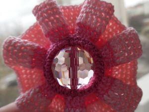 Вяжем цветок с серединкой-бусинкой. Ярмарка Мастеров - ручная работа, handmade.