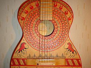 Преображение старой гитары. Мезенская роспись. Ярмарка Мастеров - ручная работа, handmade.