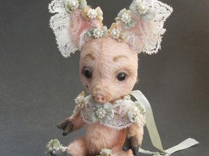Потешная свинья Короля Солнца и от чего у неё ключ. Ярмарка Мастеров - ручная работа, handmade.