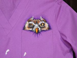 Медицинская рубашка с росписью  «Скорая совиная помощь». Ярмарка Мастеров - ручная работа, handmade.