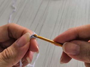 Как держать крючок. Урок 2. Ярмарка Мастеров - ручная работа, handmade.