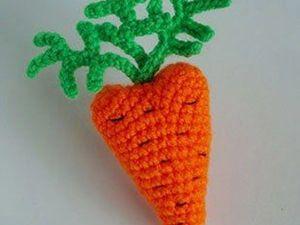 Вяжем крючком яркую морковку-валентинку. Ярмарка Мастеров - ручная работа, handmade.
