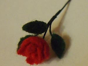 Делаем миниатюрную розу из шерсти. Ярмарка Мастеров - ручная работа, handmade.