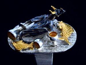 Незваный на ужин — кольцо-миниатюра с безобразничующем дракончиком. Ярмарка Мастеров - ручная работа, handmade.