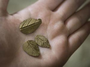 Делаем листочки из бронзовой глины. Ярмарка Мастеров - ручная работа, handmade.