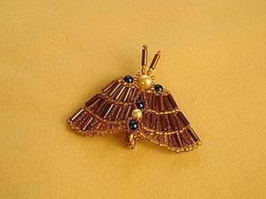 """Плетем брошь из бисера и стекляруса """"Изящная бабочка"""". Ярмарка Мастеров - ручная работа, handmade."""