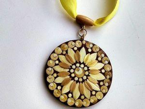 Кулон  «Солнышко» (инкрустация соломкой). Ярмарка Мастеров - ручная работа, handmade.