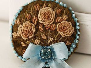 Embroidering a Brooch with Floss, Beads and Sequins. Livemaster - handmade