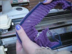 Набор и вязание резинки 2:2 на двухфонтурной машинке. Ярмарка Мастеров - ручная работа, handmade.