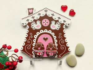 "Handmade ""Gingerbread House"" Key Holder with Funny Pigs. Livemaster - handmade"