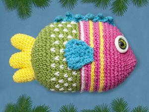 Как связать новогоднюю игрушку крючком — рыбку. Ярмарка Мастеров - ручная работа, handmade.