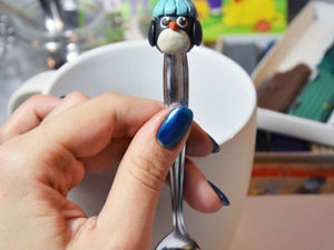 DIY Project for Kids on Modelling a Small Penguin on a Dessert Spoon out of Polymer Clay. Livemaster - handmade